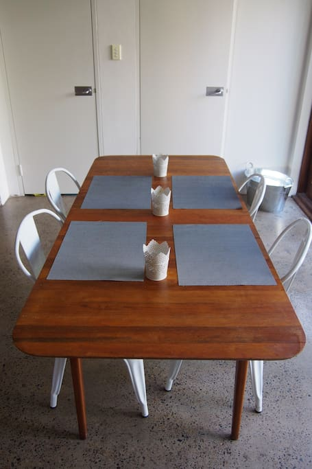 Dinning table for 6-8 people