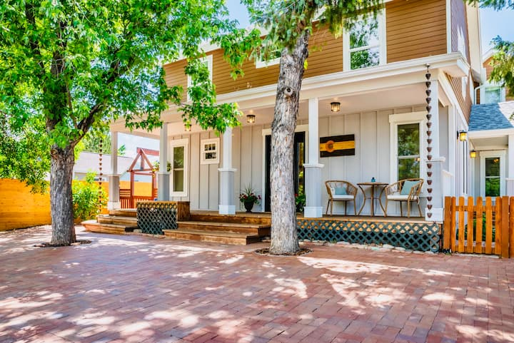 ⭐️Historic Main St Home:  Just Minutes to Boulder