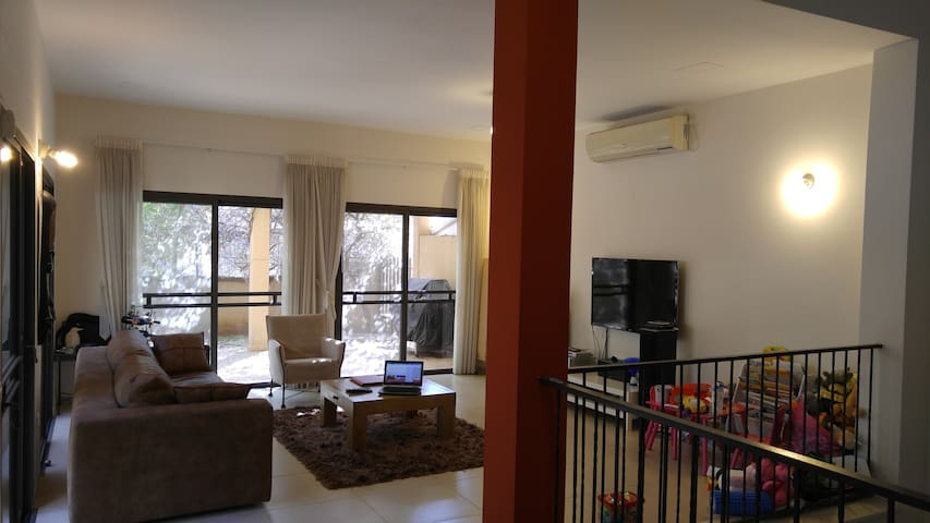Modern, spacious, quite neighborhoo - Hod Hasharon - Haus