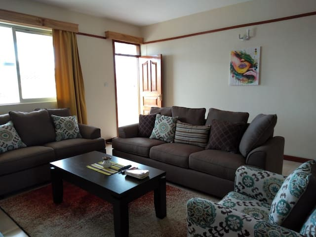 Evergreen Apt; a 3 BR flat in a great location