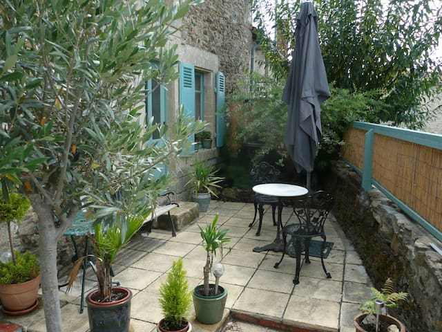 Selfcatering room & double bedroom(or rent as unit - Vouvant - Autre