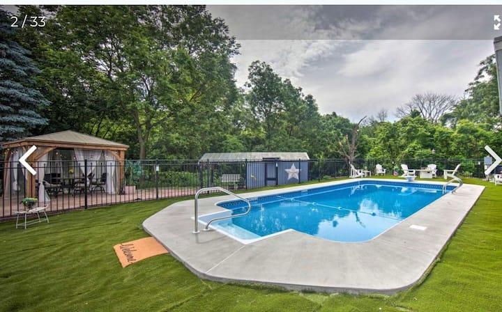 Sweet , near Hershey Park, Salt water Heated  pool