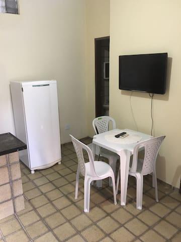 Apartamento na Praia de Iracema, a 300m da praia.