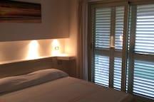 Camera da letto N 1 fronte mare