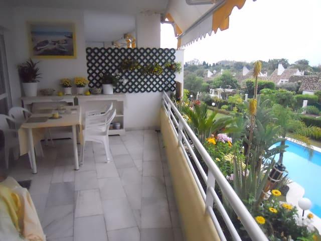 Paz, tranquilidad, piscina, playa, Guadalmina Baja