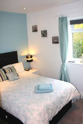 Small double room in Gretna Green - Gretna - Bungalou