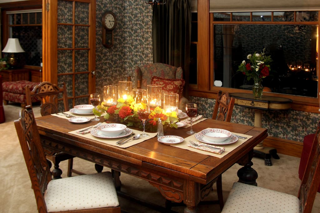 Dinning Room for romantic dinners