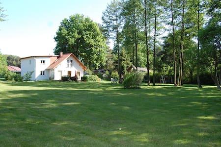 Wandlitz: Haus im Grünen mit Seeblick - Casa