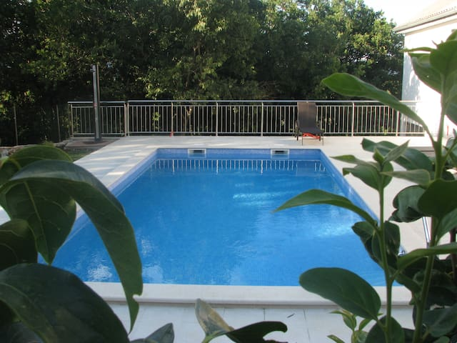 Apartment with pool near Omiš - Kučiće - Дом