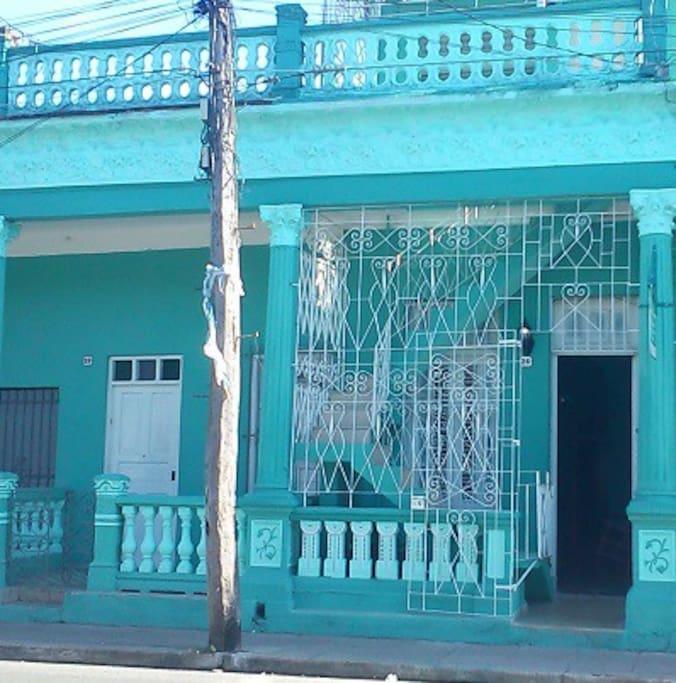casa colonial frente
