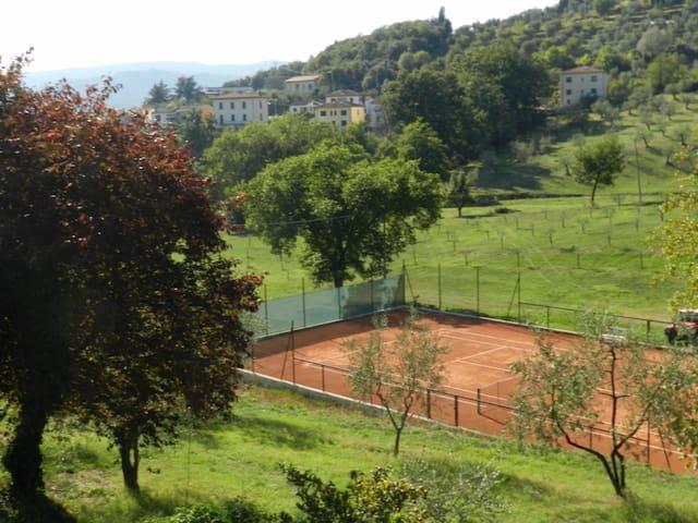 terratetto in agriturismo con piscina e tennis