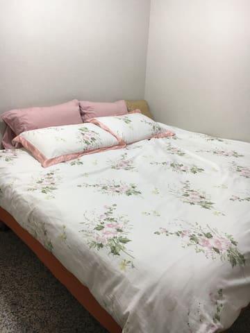 E- 台北市信義區溫馨小公寓