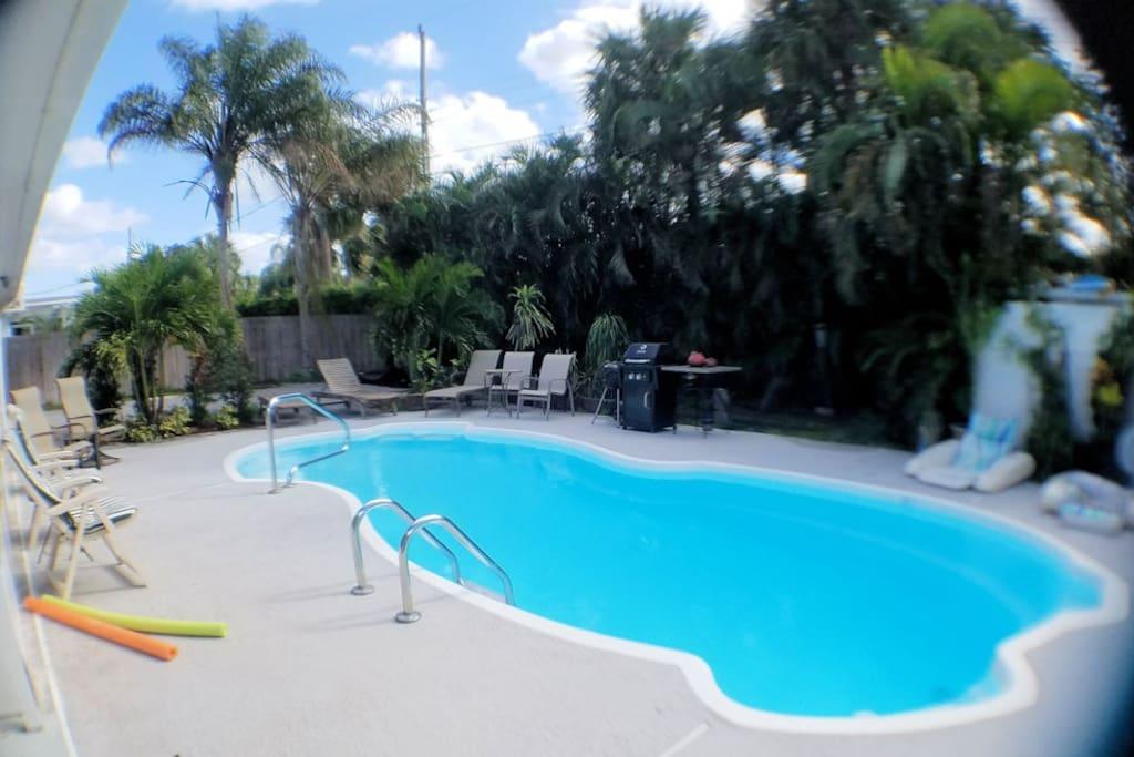 Charming Privatsuitekitchnpool 5min2beachstdiumpga Houses For Rent In Palm Beach Gardens