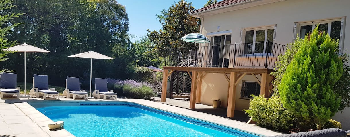 Superb, contemporary 2 bed villa with private pool