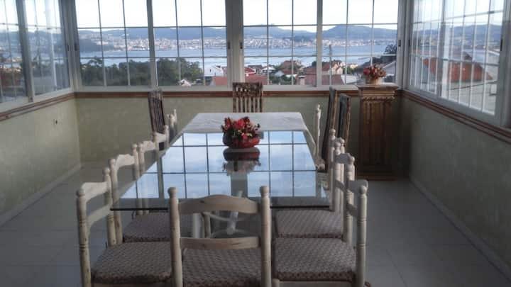 Apartamento con terraza, barbacoa y vistas al mar