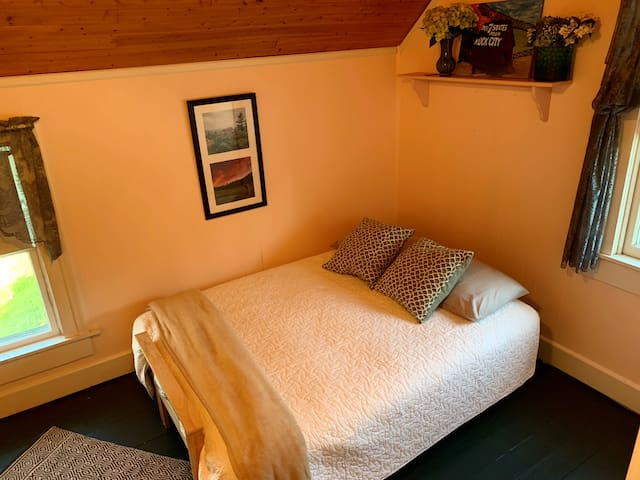 Second upstairs bedroom - leather futon can be made into second bed.