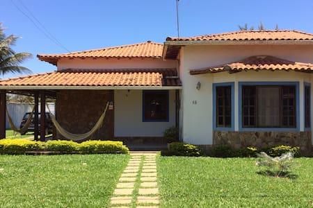 Casa de 3 Quartos em condomínio na Praia