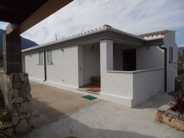 Villa Biriculi - Dorgali - House
