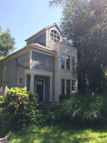 Beautiful 3 bedroom shoreline house - Branford - Σπίτι