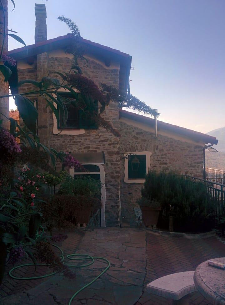 Charmant studio dans village historique.
