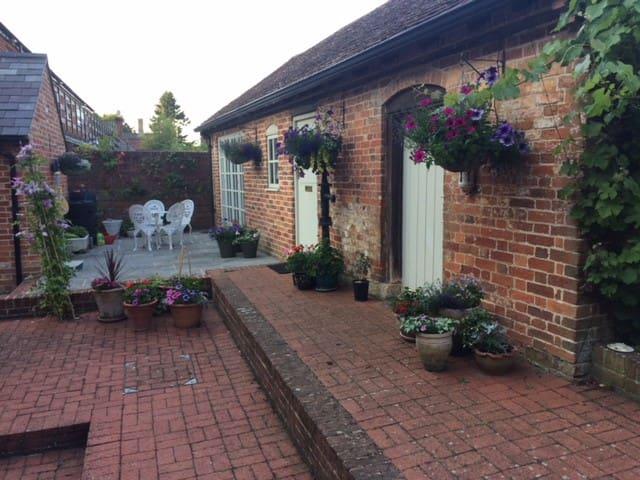 Garden Cottage, Bromham, Wiltshire