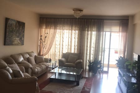 Elena's beautiful 2-bedroom cozy & quiet apartment
