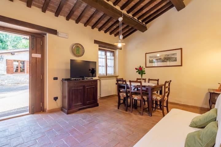 Rustiek appartement op een landgoed in Gubbio met zwembad