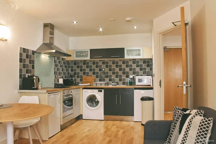 Sheffield Central Apartment - Near Universities