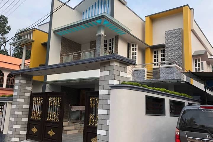 Entire Villa. 3 min drive to kottarakara juntn.