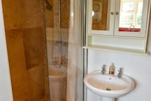 Compact shower room
