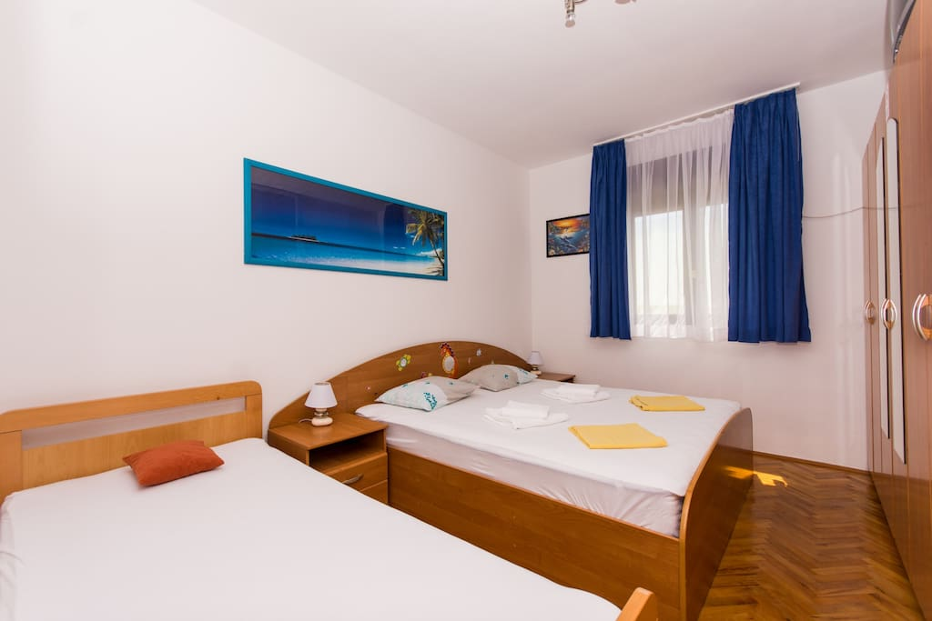 Room 2 double bed and single bed