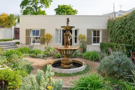 Rose Street Garden cottage - Ciudad del Cabo