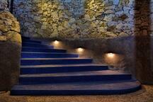 Entrance to Blue Steps property