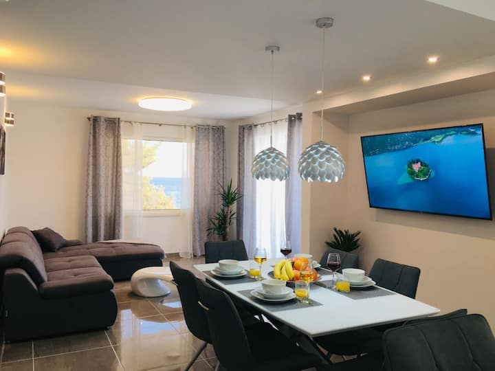 Two Bedroom Apartment, seaside in Basina, Outdoor pool, Terrace