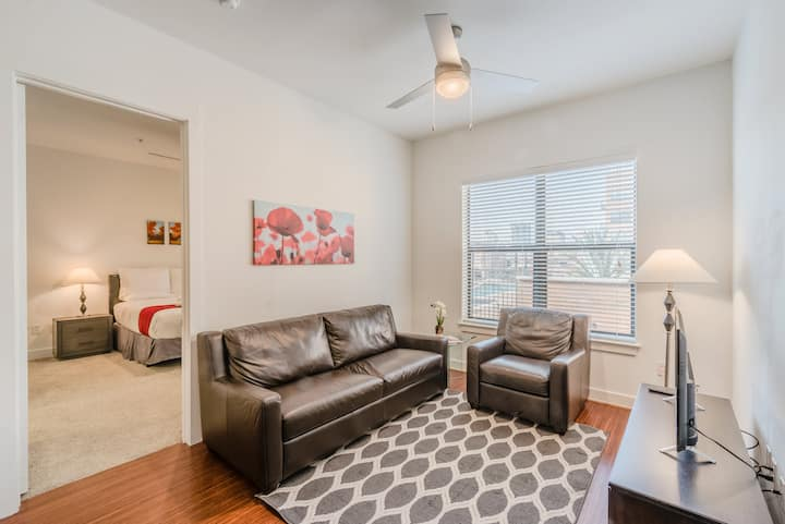 Prime Location|2 Bedroom|2 Queen Beds|Uptown Dallas