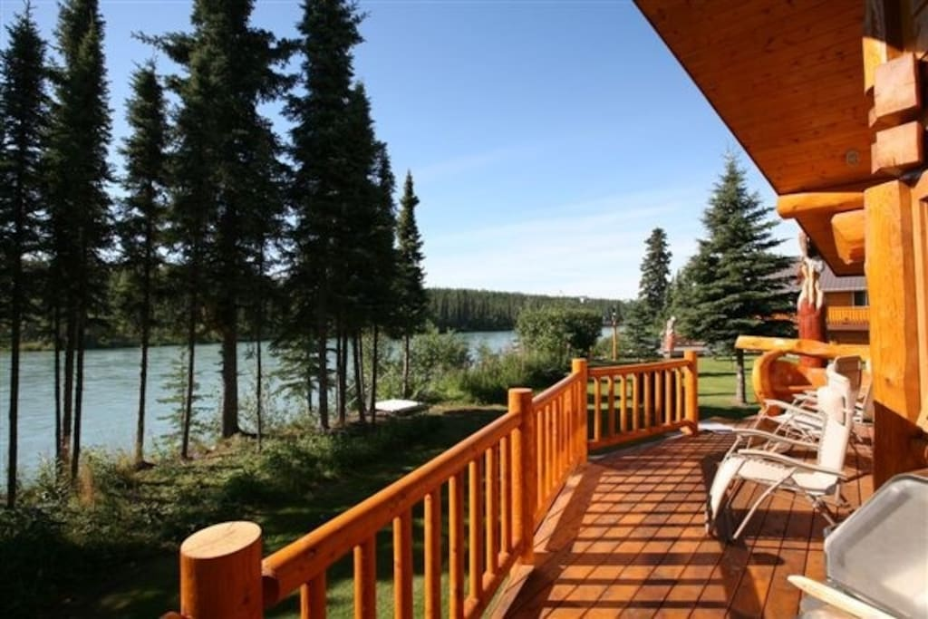 6 person Eagle View cabin deck overlooking Kenai River