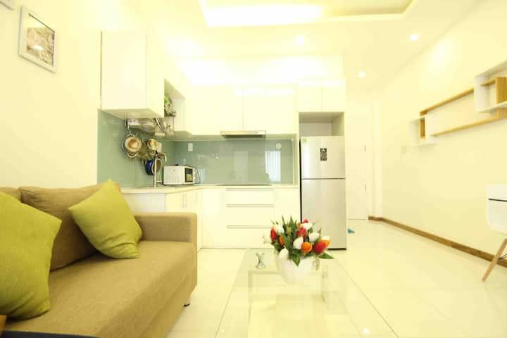 1BR Apartment on Nguyen Trai, dist. 1 near market
