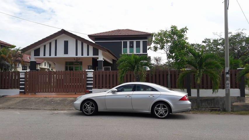 Green Habitat Bungalow Residence - Melaka - Bungalo