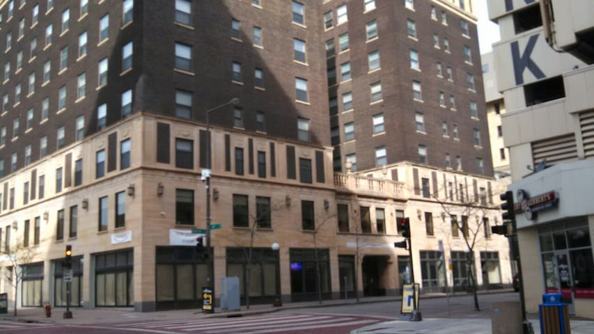 Downtown single bedroom apartment - Saint Paul - Apartment