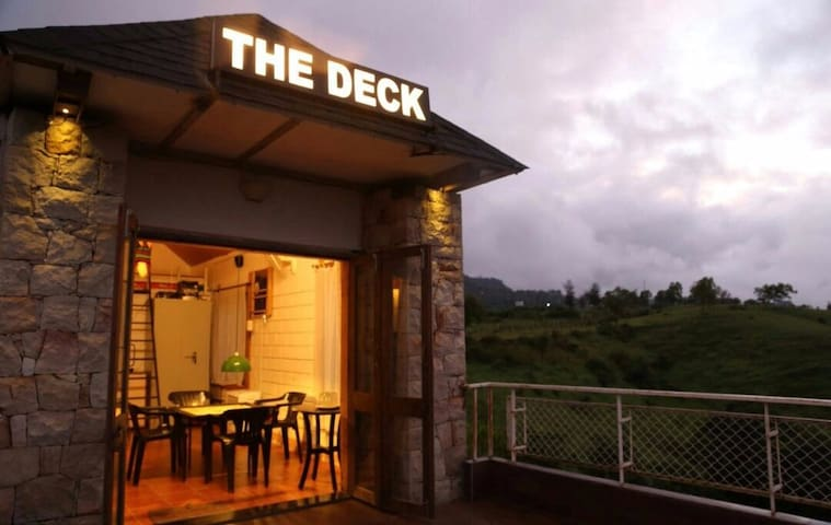 THE DECK/ Entire home-Fully furnished - Kolhapur - Bed & Breakfast