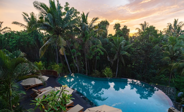 Romantic and Instagramable Club Suite in Ubud
