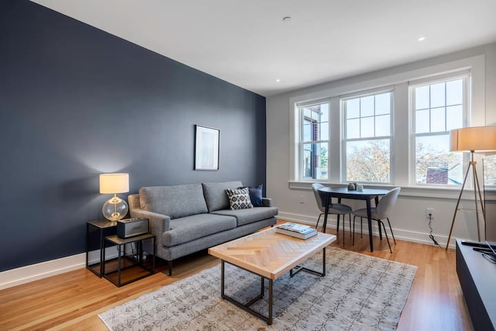Porter Square 1BR w/ W/D in building in Harvard Square, by Blueground