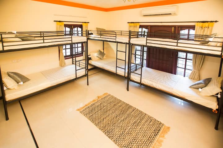 A Bed in 8 Bed Mixed Dorm in Chennai