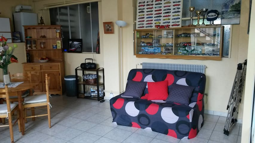 studio avec salle de bain privee - Brives-Charensac - Hus