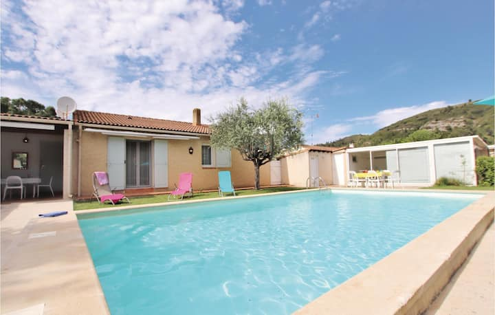Amazing home in Boulbon with WiFi, Outdoor swimming pool and 2 Bedrooms