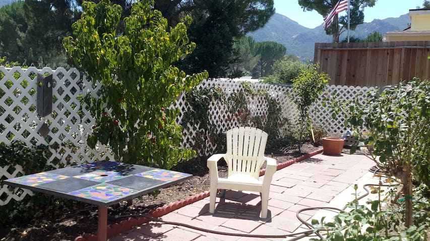 Nice room in beutiful Mountains - Agoura hills - Casa