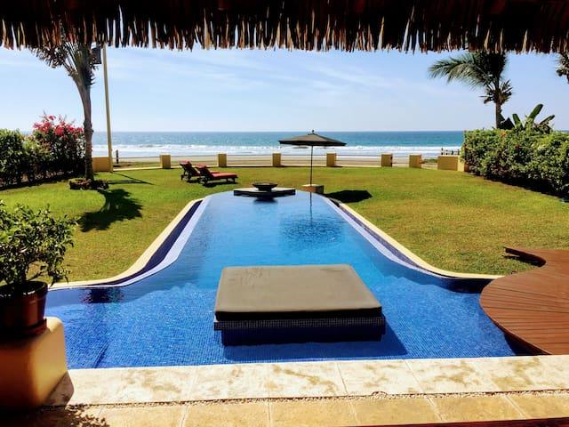 Casa de Dos Palmas - Ocean Front Luxury Suite
