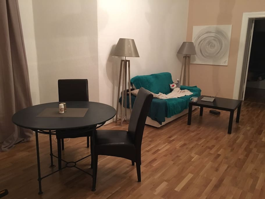 cosy 2 room furnished apt in berlin apartments for rent in berlin berlin germany. Black Bedroom Furniture Sets. Home Design Ideas