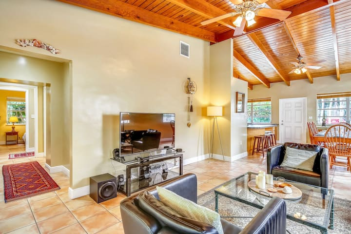 Relaxing dog-friendly home w/ private pool & high-speed WiFi - snowbirds welcome