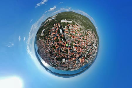 Planet Šibenik - City center | Private parking